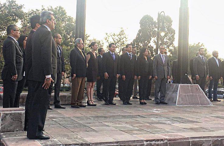 Autoridades del Ayuntamiento de Morelia encabezadas por el Síndico Municipal, Fabio Sistos Rangel, participaron en el Izamiento de la Bandera, con motivo del Aniversario 154 de la Batalla de Puebla ...