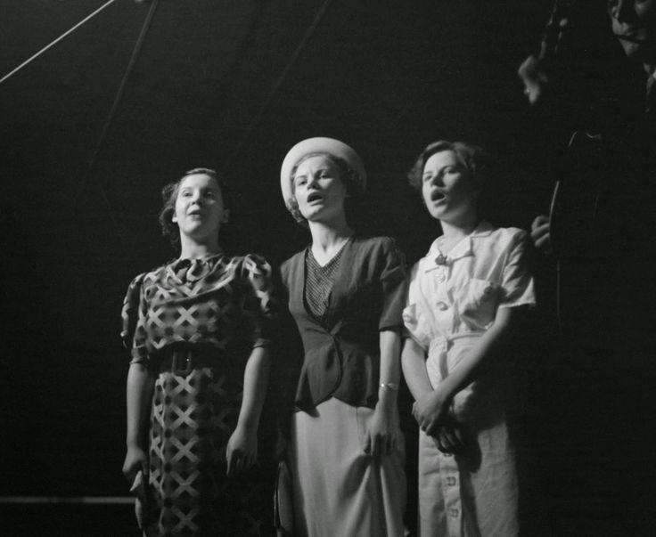 Ben Shahn - Lovengood sisters Asheville North Carolina 1937