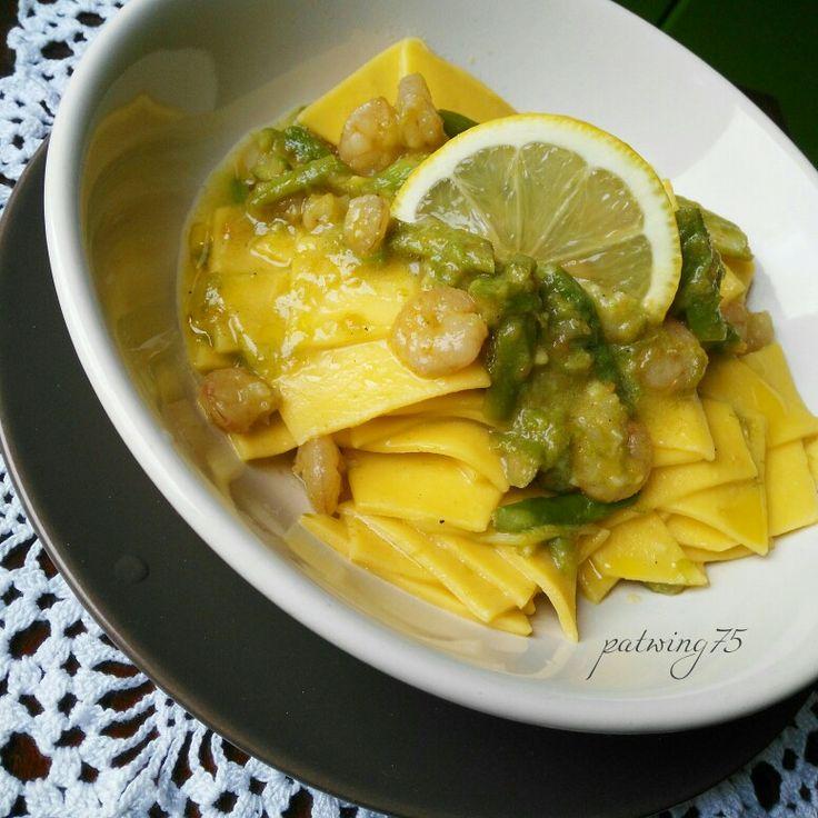 Fresh pasta with asparagus,shrimps and lemon juice - Maltagliati di pasta all'uovo con asparagi, gamberetti e limone