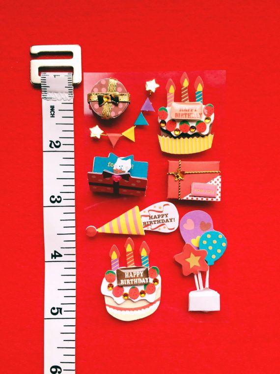 3D Stickers Craft Decoration Happy Birthday   ⚫︎⚫︎⚫︎3D クラフトデコレーション シール ステッカー ハッピーバースデー⚫︎⚫︎⚫︎  ・立体的に紙で作られているデコレーションシール、ステッカーです。  ハッピーバースデーのアイテムです。  それぞれ違うアイテムでケーキ・ギフトボックス・ギフトカード・バルーン・ガーランド・クラッカーなど。 とても立体的で繊細な作り方です。  同アイテムを購入の場合は10個まで送料1件分(6ドル)です。 追跡や保険等を付帯の場合は料金加算となります。 送料&ポリシーをご覧ください。  ギフトラッピングのデコレーションに、ギフトカードのデコレーションにいかがでしょうか。   ・素材:紙 ・デザイン:日本  ・生産 :中国  ・サイズ: 1つ1つのアイテムによってサイズが違います。 ケーキ 3.75cm×2.5cm バルーン 4.5cm×2cm カード 2.5cm×1.8cm ギフトボックス(2タイプ) ○1.75cm 、□⒉5cm クラッカー 4.5cm×1.5cm…