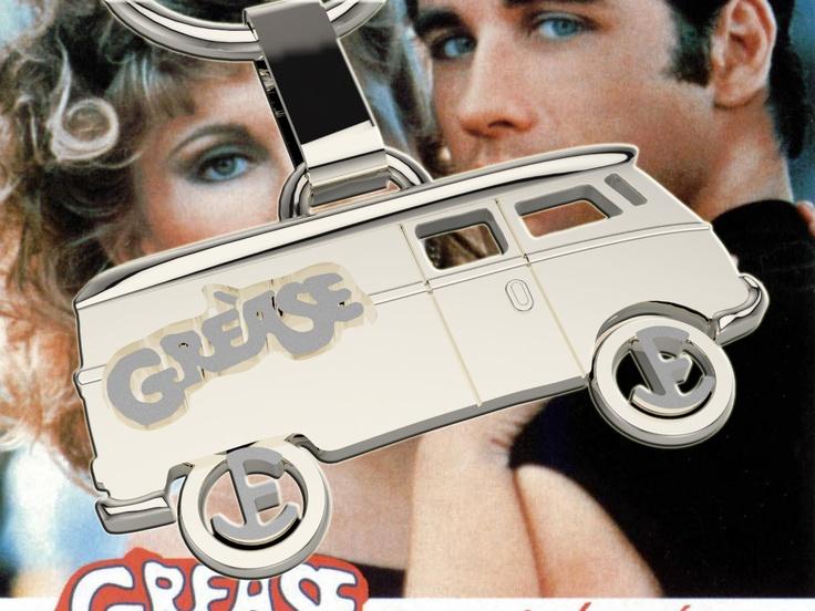 "Furgoneta en plata inspirada en la película ""Grease""."