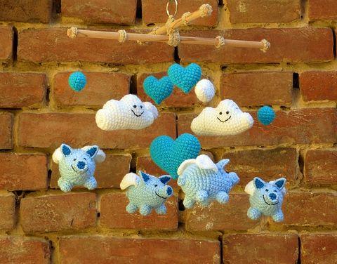 horgolt babaforgó repülő malacokkal - gyerekszoba dekoráció kék és fehér színben, Baba-mama-gyerek, Dekoráció, Gyerekszoba, Meska