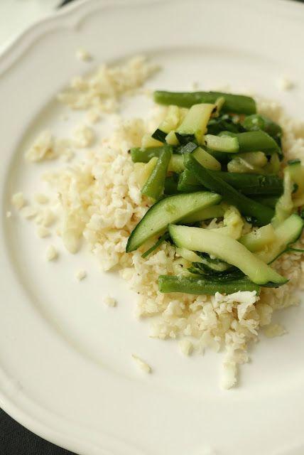 Cauliflower rice with veggies