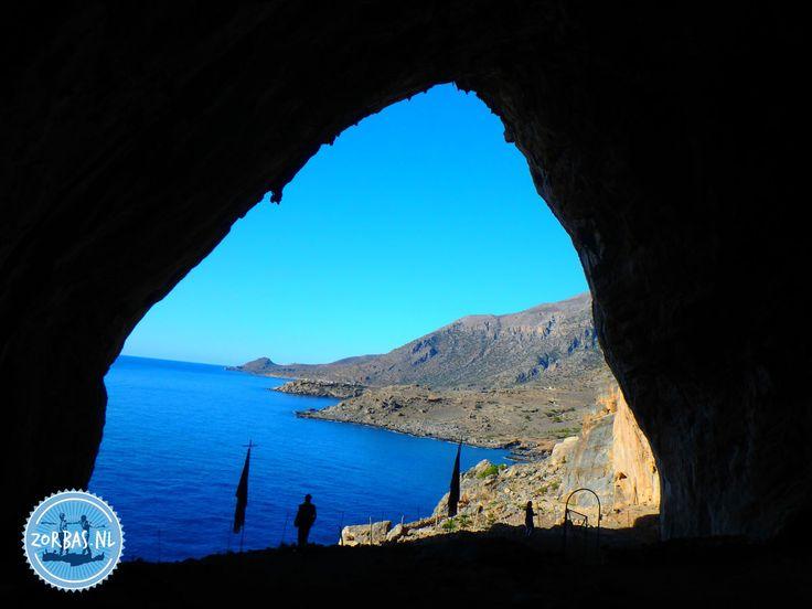 Hiking routes in Griekenland, Kreta: De winter en het voorjaar zijn perfecte periodes voor een wandelvakantie in Griekenland. In deze periode is het niet zo heel erg warm meer, maar de temperatuur is nog zeer aangenaam om te wandelen, zeker op Kreta. Het heeft nog nauwelijks geregend sinds de lange droge zomer, waardoor de wandelroutes