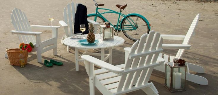 Soft fouta towels, bikes with baskets, stylishly packed provisions, classic seating, and outdoor games are the stuff summer dreams are made of. Mix these ingredients together on a sun-kissed day to create fun-filled memories with friends and family. A seaside view and sand are serving suggestions only.