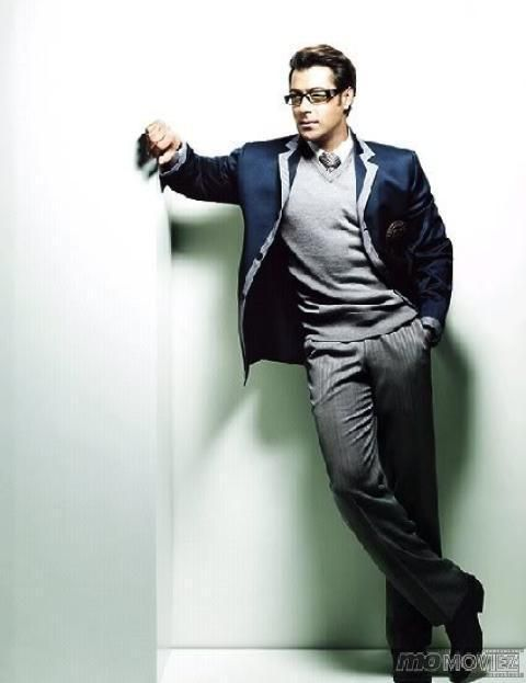 One aspect that sets Salman Khan different from other stars in Bollywood - His attitude!  For unseen images click http://momoviez.com/