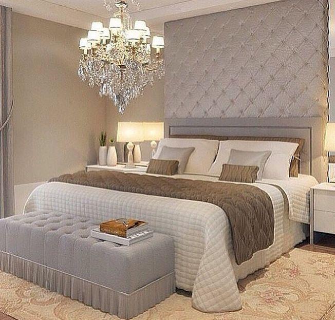 para quarto ao contrário do que se pensa não precisa ser usado exclusivamente em cômodos com um teto mais alto,  um comodo com o teto mais baixo também pode se beneficiar da linda iluminação que só um lustre pode trazer.