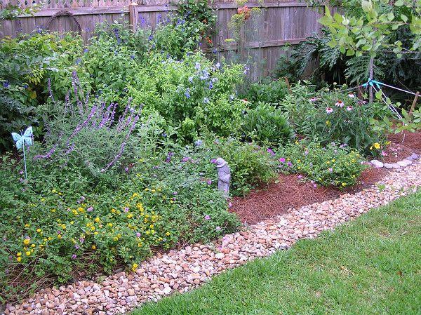 Cottage Garden Edging | Home Garden Ideas | Pinterest ...