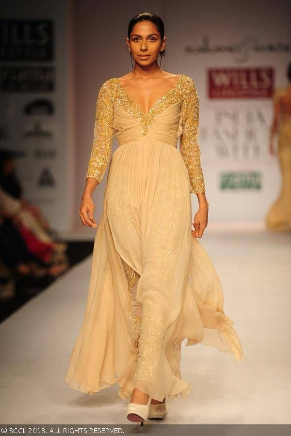 Candice Pinto showcases a creation by Rabani and Rakha on Day 4 of Wills Lifestyle India Fashion Week (WIFW) Spring/Summer 2014, held in Del...