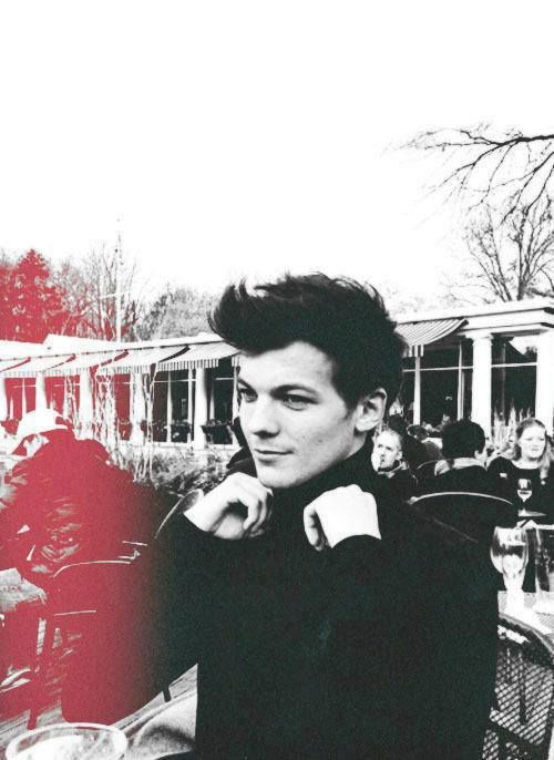 "This makes me think of James Bond... Anyone else? ""Tomlinson. Louis Tomlinson."" ;)"