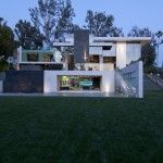 Sharp-Innovative-Contemporary-Summit-House-In-Beverly-Hills-By-Whipple-Russel-Architects_04