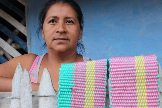 Luz Amparo Morales, mujer tejedora.