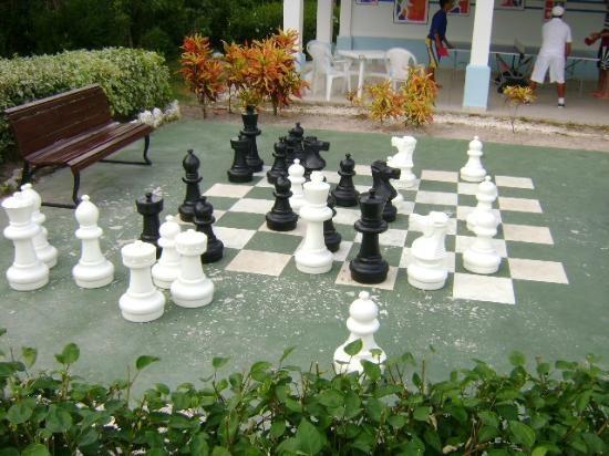 Memories Azul Beach Resort: Chess