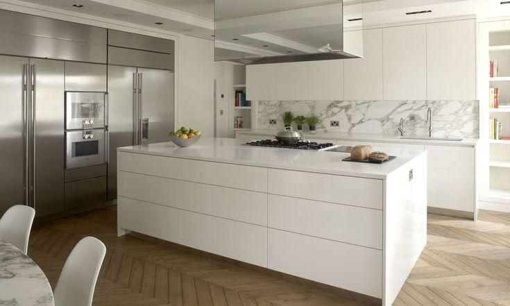 High gloss cupboards, Caesarstone benchtops & calacutta marble splashbacks//Robert Timmons