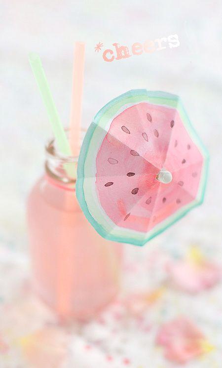 melonen cocktail mit schirmchen wunderschön-gemacht: wasser(melonen)farben