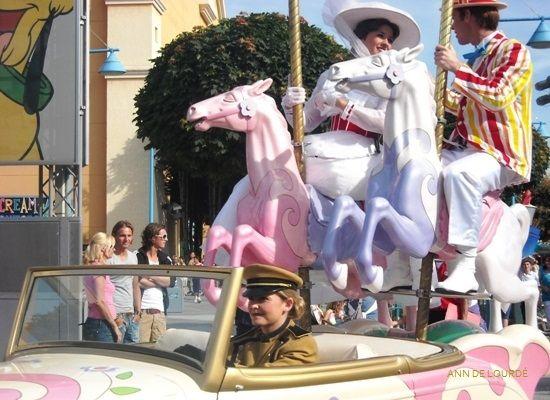 Mary Poppins in Stars n' Cars Parade, Summer 2009, Walt Disney Studios Parks, Disneyland Paris, Marne-la-Vallée, France.