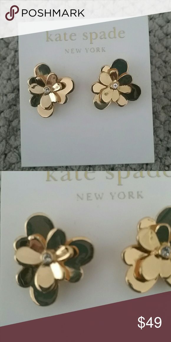 BNWT Kate Spade gold flower studs - gorgeous! Never worn, bought directly from Kate Spade online.  14K gold fill.  Retails at $58.  Price firm. Kate Spade Jewelry Earrings