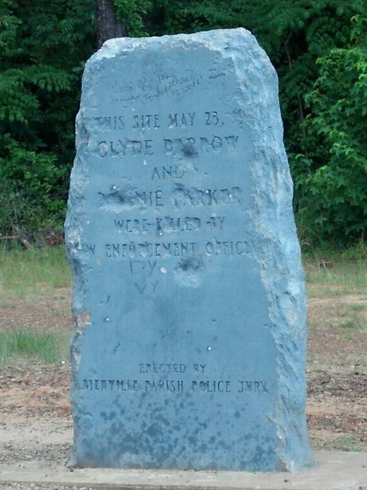 Clyde Barrow's tombstone (Bonnie & Clyde)