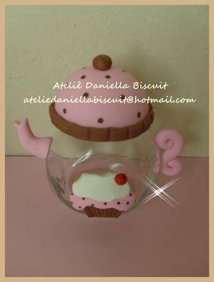 Baleiro em formato de bule, feito a pedido de uma cliente, o bule é de 150ml..(Pedido mínimo de 10 peças). R$ 14,00