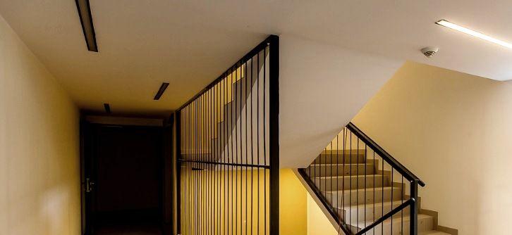 industrialne balustrady, industrialne oświetlenie