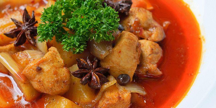 Curry kipfilets met gebakken ananas