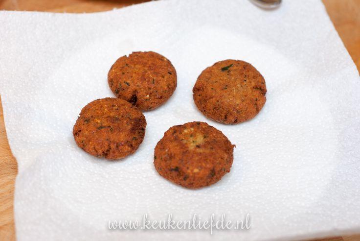 Zelfgemaakte faalde, gebakken in koekenpan of frituurpan - Keukenliefde