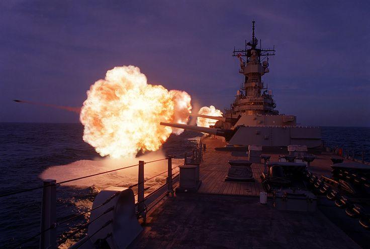Big Mo: Military History, Naval Ships, Uss Missouri, Battleship Uss, Missouri 1990, Guns Stuff, Generic Military, Military Stuff, Military Pictures