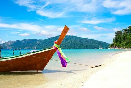 Typical scenery on a Phuket beach! Doesn't it make your mind travel?