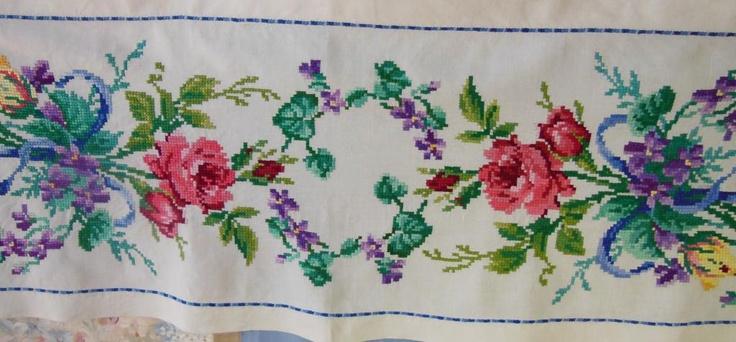 Дорожка вышивка крестик 170х46см Розы и фиалки.