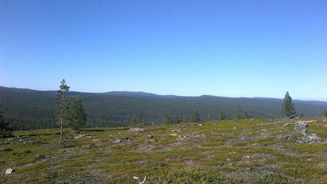 Hiking to the gold mining village by river Ivalojoki M.