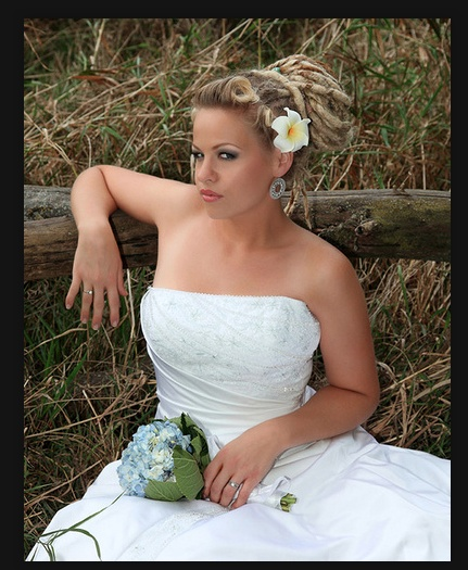 Dreadlock Wedding Hairstyles: Wedding Dreads Idea.