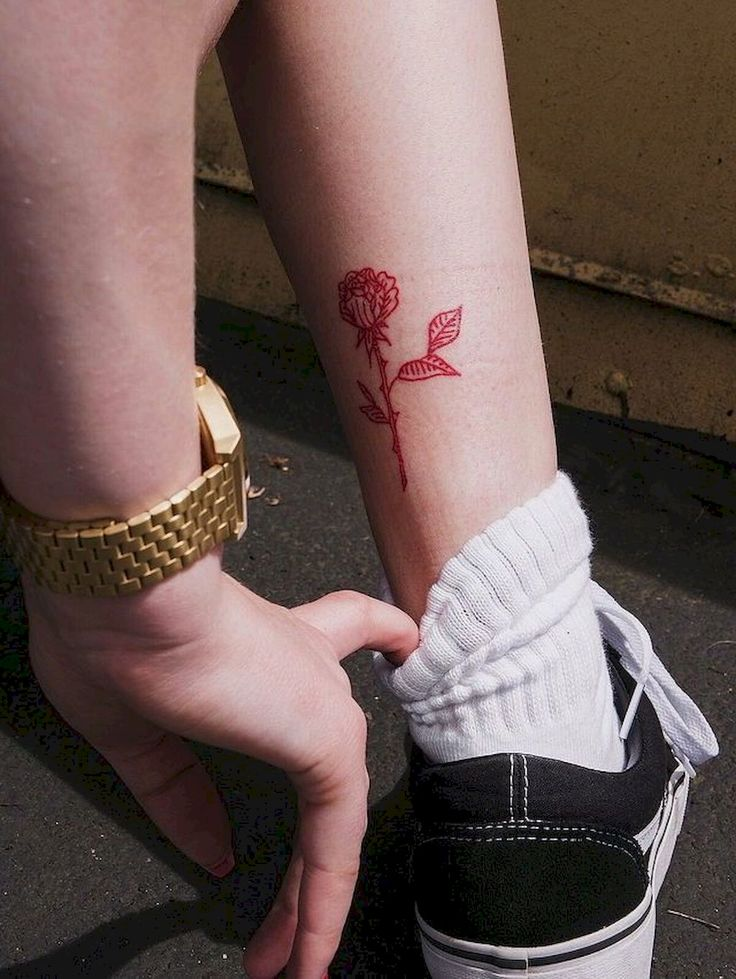 Red Flower Tattoos: 29 Beautiful Rose Outline Tattoos Ideas
