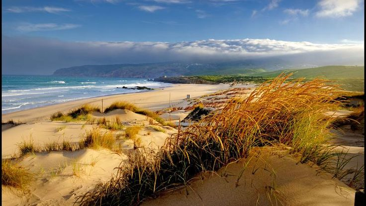 La plage de Guincho, le paradis pour les surfeurs, c'est ici que le champion Ruben Gonzales initie les clients de l'hôtel Oitavos.