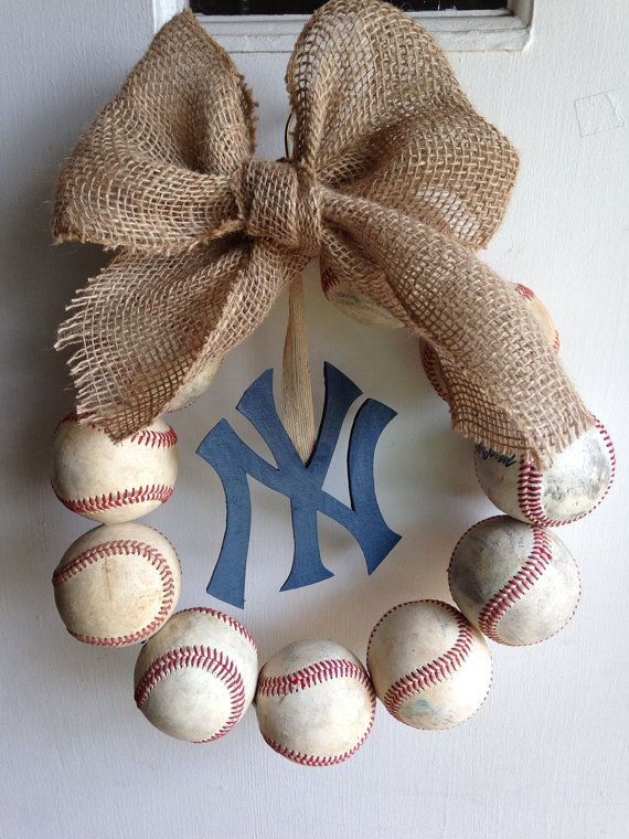 Burlap Wreath Ideas | This vintage New York Yankee's theme wreath knocks our socks off ...