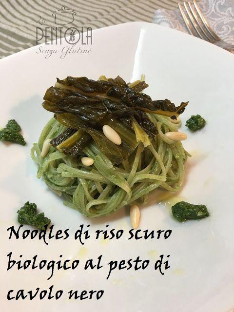 La pentola senza glutine: Noodles di riso scuro biologico al pesto di cavolo...