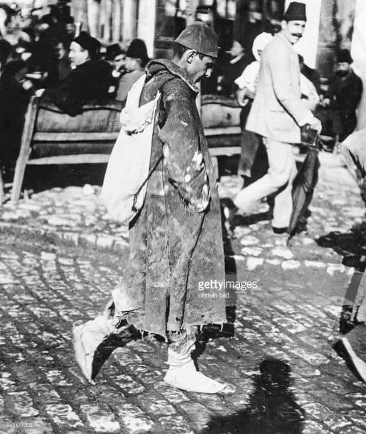 Balkan savaşından sonra evine dönen bir Osmanlı askeri.