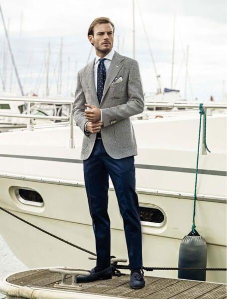 ツイードジャケット紺とグレーの王道コーデ