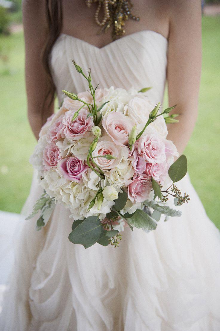 Bouquet de fleurs de mariage / wedding bouquet.
