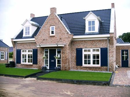 Twee onder 1 kap woningen, nieuwbouw met taditionele stijl…