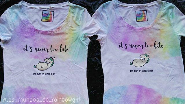 #etsy #etsybcn #camiseta #unicornio #arcoiris #itsnevertoolate #beaunicorn #unicorn #tshirt #rainbow #watercolor #christmasgift #friends #rainbowgirlbcn #handpainted #tulipfabricpaint  #inspiringclothing  #pintadoamano #ropainspiradora #inspiracion #rainbowgirl #chicaarcoiris #Barcelona #ripollet #cerdanyola #santcugat #montcadaireixac #sabadell #terrassa #regalonavidad