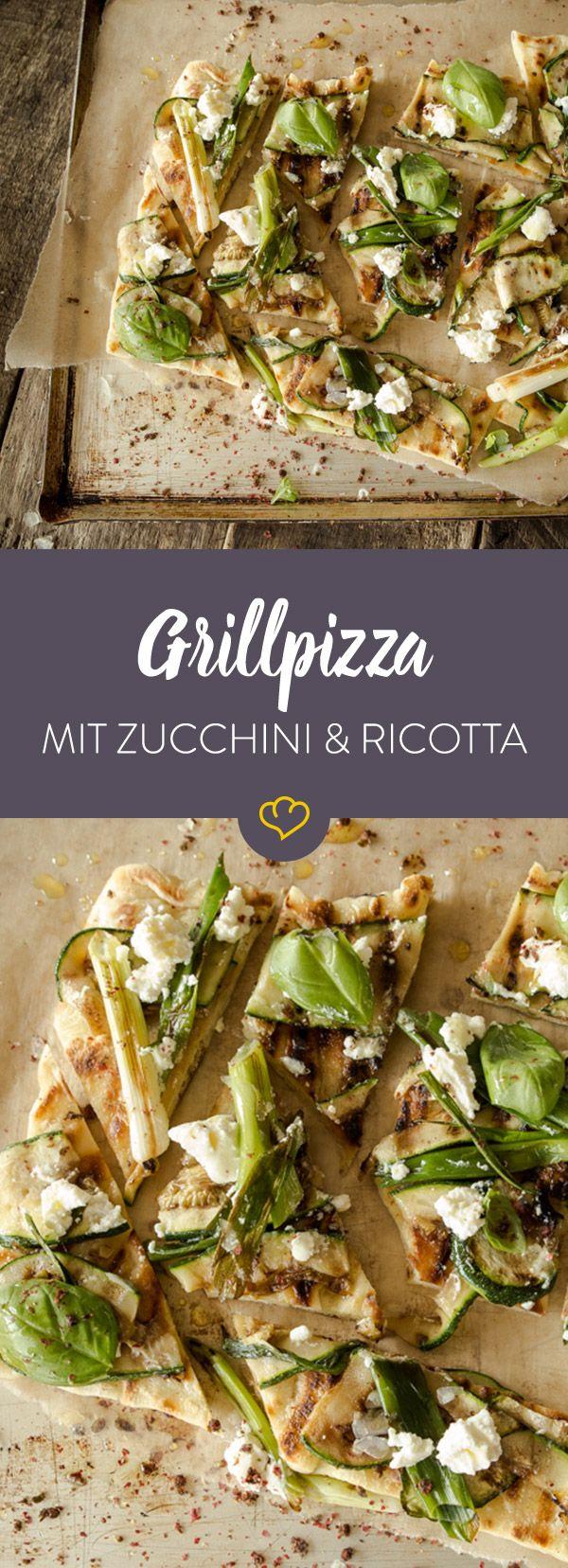 Grillpizza mit zucchini und ricotta