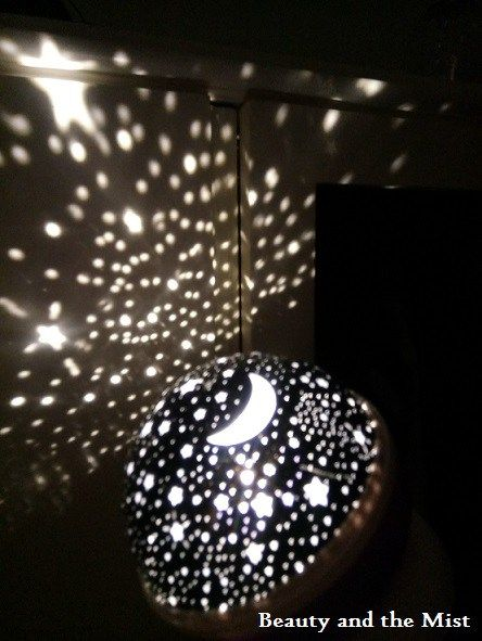 Putting the kids in bed can be one of the hardest missions. One of the things I have recently tried is this autorotation night light with stars from Sammydress. You can find it here in 3 available …