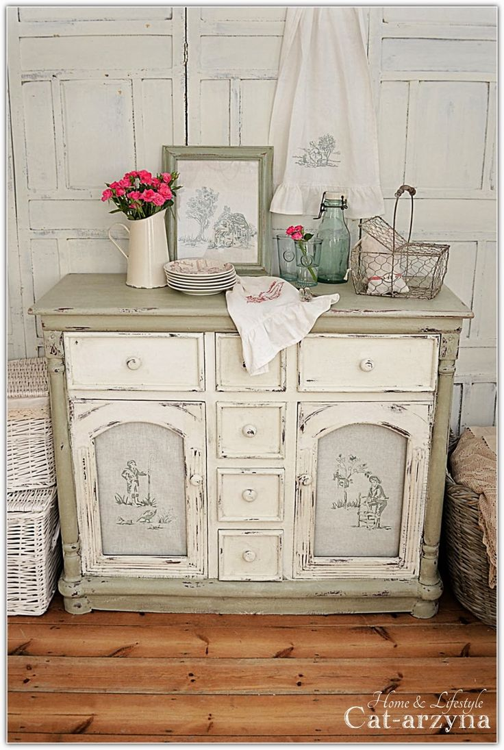 French Country Dresser | I think I'm becoming a fan of French Country