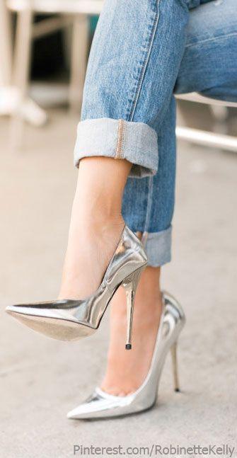Silver Accessories | Street Style  #sapatos #shoes #salto #heels #fashion #glam #prata #silver