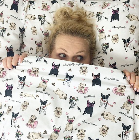 White cotton queen bedding set with cute, colorful Bulldogs and Pugs.  The most awaited bedding set by Yeah Bunny :)    100% cotton - top quality