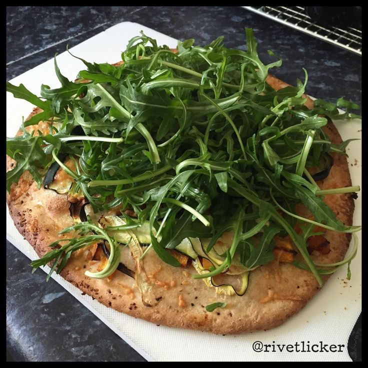 """My @hellofreshau dinner yesterday was this seriously nommy #pizza with #garlic and #oliveoil as the base sauce with roast #pumpkin semi dried #tomato #provlone and #rocket. Get $35 off your first box with code """"QZGYXD"""". Aus only. #hellofresh #hellofreshau #food #foodporn #foodbox #foodstagram #subscriptionbox #omnomnom by rivetlicker"""