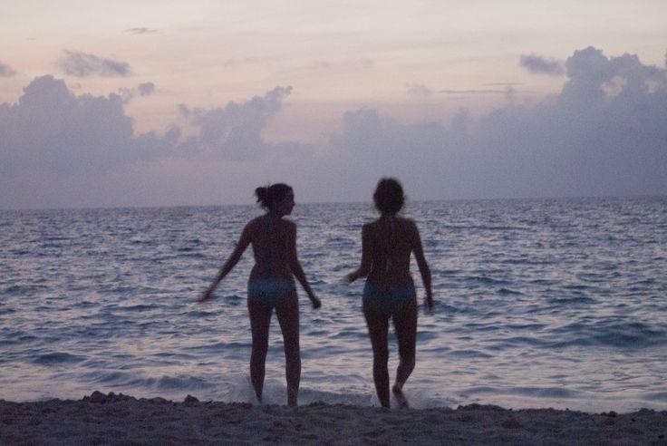 Caminata en la playa de Playa Manglares