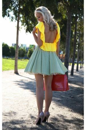 get on my body.: Summer Fashion, Summer Style, Fashion Outfits, Summer Outfits, Style Summer, Style Clothing, Circles Skirts, Summer Clothing, Bright Colors