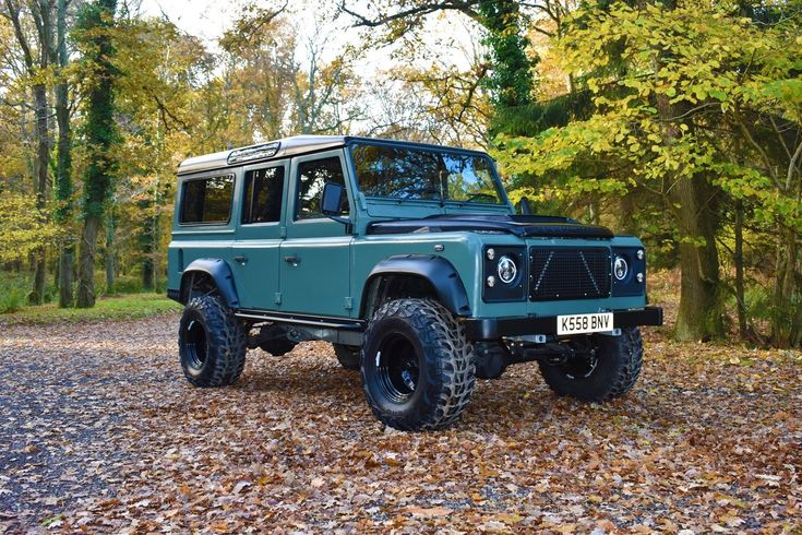 Land Rover 110 V8 massive spec and sounds awesome