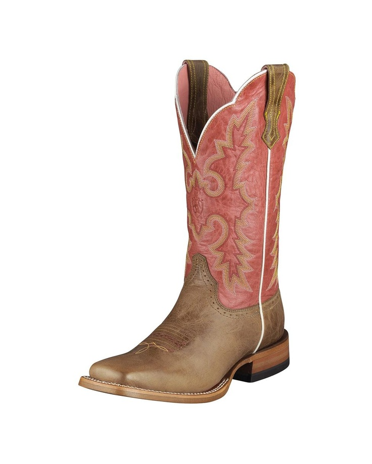 Pink cowgirl boots...I need these!! Oh man!